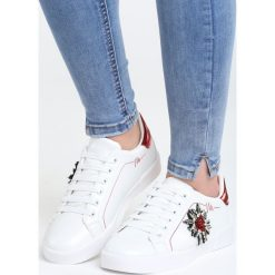 Biało-Czerwone Buty Sportowe Chambray. Białe buty sportowe damskie marki Born2be, z materiału. Za 79,99 zł.
