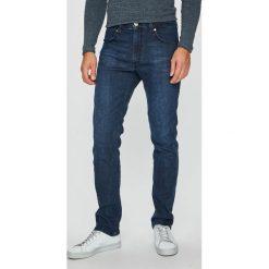 Wrangler - Jeansy Greensboro. Niebieskie jeansy męskie regular Wrangler. Za 349,90 zł.
