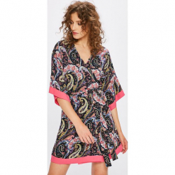 Answear - Sukienka Boho Bandit. Szare sukienki boho marki ANSWEAR, na co dzień, l, z tkaniny, mini, proste. W wyprzedaży za 99,90 zł.