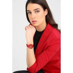 Marc Jacobs THE HEART Zegarek rot. Czerwone zegarki damskie Marc Jacobs. W wyprzedaży za 567,20 zł.