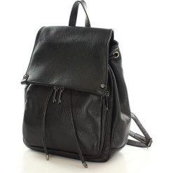 Skórzany czarny plecak damski AMBER. Czarne plecaki damskie Vera Pelle, w paski, ze skóry. Za 299,00 zł.