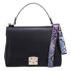 Torebki klasyczne damskie: Skórzana torebka w kolorze granatowym – (S)27 x (W)26 x (G)17 cm