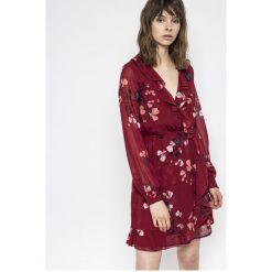 Vero Moda - Sukienka Hallie. Szare długie sukienki marki Vero Moda, na co dzień, l, z poliesteru, casualowe, z długim rękawem. W wyprzedaży za 119,90 zł.