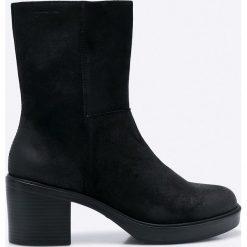 Vagabond - Botki Tilda. Czarne buty zimowe damskie marki Vagabond, z materiału, z okrągłym noskiem. W wyprzedaży za 359,90 zł.