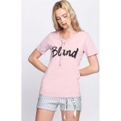 Różowa Bluzka Blonde. Czerwone bluzki damskie marki Born2be, l. Za 39,99 zł.