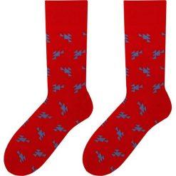 More - Skarpetki Triangles. Czerwone skarpetki męskie marki More, z bawełny. W wyprzedaży za 9,90 zł.