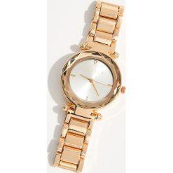 Zegarek na bransolecie - Złoty. Żółte zegarki damskie Mohito, złote. Za 69,99 zł.