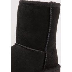 UGG CLASSIC II Botki black. Czarne buty zimowe damskie Ugg, z wełny. Za 589,00 zł.
