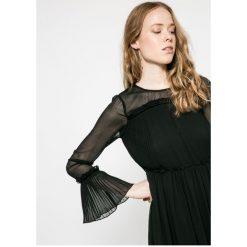 Sukienki hiszpanki: Vila – Sukienka