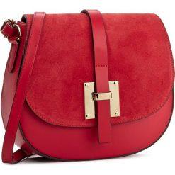 Torebka CREOLE - K10388 Czerwony. Czerwone listonoszki damskie Creole, ze skóry, na ramię. W wyprzedaży za 159,00 zł.
