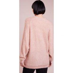 Swetry klasyczne damskie: Bruuns Bazaar LUNA  Sweter warm beige