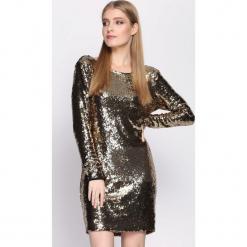 Złota Sukienka Womanhood. Żółte sukienki mini Born2be, s, z okrągłym kołnierzem, dopasowane. Za 119,99 zł.