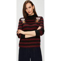 Silvian Heach - Sweter. Brązowe swetry klasyczne damskie marki Silvian Heach, l, z dzianiny, z włoskim kołnierzykiem. W wyprzedaży za 299,90 zł.