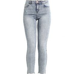 Noisy May NMTAYLOR Jeans Skinny Fit medium blue denim. Niebieskie boyfriendy damskie Noisy May. Za 179,00 zł.