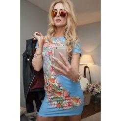 Sukienki: Sukienka w kwiaty niebieska