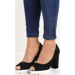 Czarne Czółenka Fisto. Czarne buty ślubne damskie marki Born2be, z otwartym noskiem, na wysokim obcasie, na platformie. Za 69,99 zł.