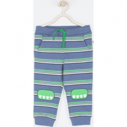 Spodnie. Zielone spodnie dresowe chłopięce marki BABY DINO, z napisami. Za 49,90 zł.