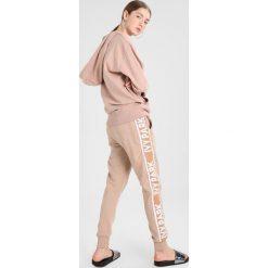 Bluzy rozpinane damskie: Ivy Park DOTS LOGO OH HOODY Bluza z kapturem shadow grey