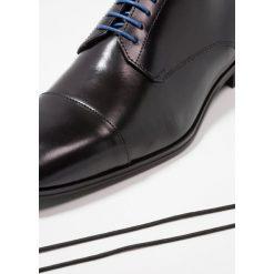 Azzaro REMAKE Eleganckie buty noir. Czarne buty wizytowe męskie Azzaro, z materiału, na sznurówki. Za 589,00 zł.