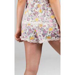 Dorina - Szorty piżamowe Sophia. Białe piżamy damskie marki MEDICINE, z bawełny. W wyprzedaży za 34,90 zł.
