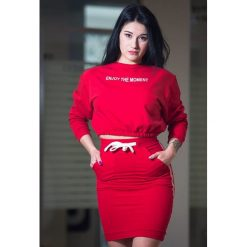 Bluzy damskie: Red Enjoy the moment bluza top