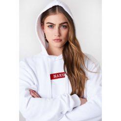 NA-KD Bluza z kapturem i logo NA-KD - White. Białe bluzy rozpinane damskie NA-KD, z długim rękawem, długie, z kapturem. Za 161,95 zł.