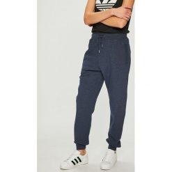 Pepe Jeans - Spodnie Hugen. Szare proste jeansy damskie Pepe Jeans. Za 239,90 zł.