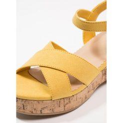 Next OLDER GIRLS Sandały yellow. Żółte sandały chłopięce marki Next, z materiału. Za 229,00 zł.