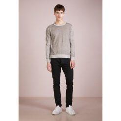 Swetry klasyczne męskie: CLOSED BASIC JUMPER Sweter grau