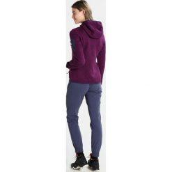 CMP Kurtka z polaru purple/blue. Czerwone kurtki sportowe damskie marki CMP, z materiału. W wyprzedaży za 173,40 zł.