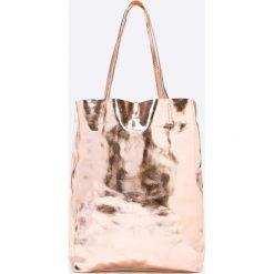 Answear - Torebka skórzana Violet Kiss. Szare shopper bag damskie ANSWEAR, z materiału, do ręki, duże. W wyprzedaży za 139,90 zł.