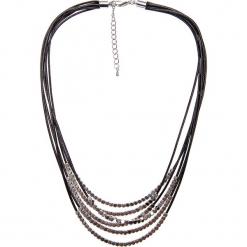 Czarny krótki naszyjnik QUIOSQUE. Czarne naszyjniki damskie QUIOSQUE, na co dzień, srebrne. W wyprzedaży za 39,99 zł.