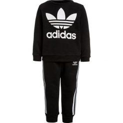 Adidas Originals CREW SET  Bluza black/white. Czerwone bluzy chłopięce marki adidas Originals, z bawełny. Za 199,00 zł.