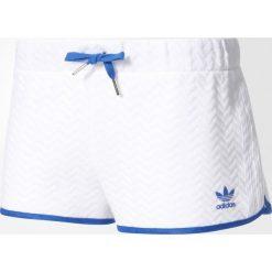 Spodenki adidas Originals Slim Shorts (BJ8371). Czarne szorty damskie marki Alpha Industries, z materiału. Za 44,99 zł.