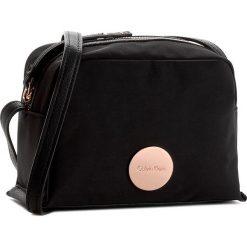 Torebka CALVIN KLEIN BLACK LABEL - Edith Small Crossbody K60K602703  001. Czarne listonoszki damskie marki Calvin Klein Black Label, z materiału. W wyprzedaży za 219,00 zł.