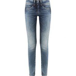 GStar LYNN DMID ZIP ANKLE SUPER SKINNY WMN Jeans Skinny Fit medium aged071. Białe jeansy damskie marki G-Star, z nadrukiem. Za 469,00 zł.