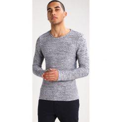 Swetry klasyczne męskie: Selected Homme SHDJOECAMP Sweter bright white