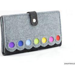 Kopertówki damskie: Kopertówka, saszetka filcowa w kolorowe kropki
