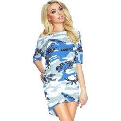 Sukienki: Celesta – sukienka dzienna przysłaniająca niedoskonałości biało-niebieskie moro