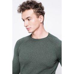 Wrangler - Sweter. Szare swetry klasyczne męskie Wrangler, m, z bawełny, z okrągłym kołnierzem. W wyprzedaży za 129,90 zł.