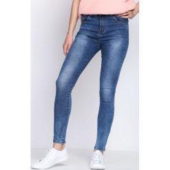 Niebieskie Jeansy Sundown. Niebieskie jeansy damskie Born2be. Za 94,99 zł.