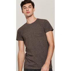 T-shirt basic z kieszonką - Bordowy. Czerwone t-shirty męskie House, l. Za 35,99 zł.