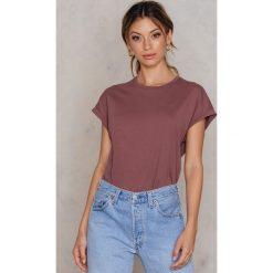 Rut&Circle Klasyczny T-shirt Ellen - Pink. Zielone t-shirty damskie marki Rut&Circle, z dzianiny, z okrągłym kołnierzem. Za 80,95 zł.