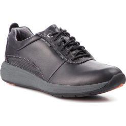 Półbuty CLARKS - Un Coast Plain 261328337  Black Leather. Czarne derby męskie Clarks, z materiału. Za 539,00 zł.