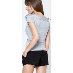 Bluzki asymetryczne: Bluzka w prążki zdobiona wiązaniami na ramionach szara
