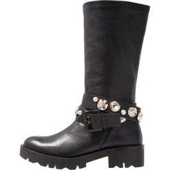 Tosca Blu KIRUNA Kowbojki i obuwie motocyklowe nero. Czarne buty zimowe damskie marki Tosca Blu, z materiału. Za 949,00 zł.