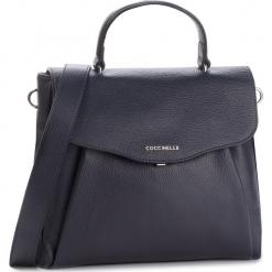Torebka COCCINELLE - DR5 Andromeda E1 DR5 18 01 01 Bleu B11. Niebieskie torebki klasyczne damskie marki Coccinelle, ze skóry. Za 1499,90 zł.