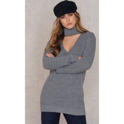 Swetry klasyczne damskie: Glamorous Sweter z dekoltem typu choker – Grey