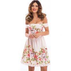 Sukienki: Pudrowa sukienka w kwiaty 8243
