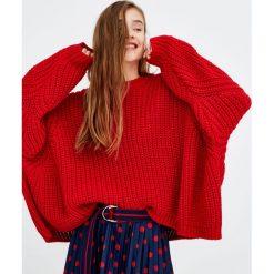 Swetry klasyczne damskie: Sweter z obniżonym ramieniem